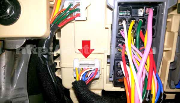 Фото №12 - точки подключения сигнализации ВАЗ 2110